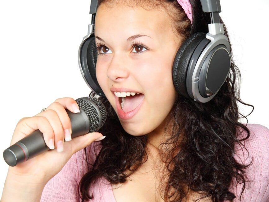 promoción musical en Clubhouse